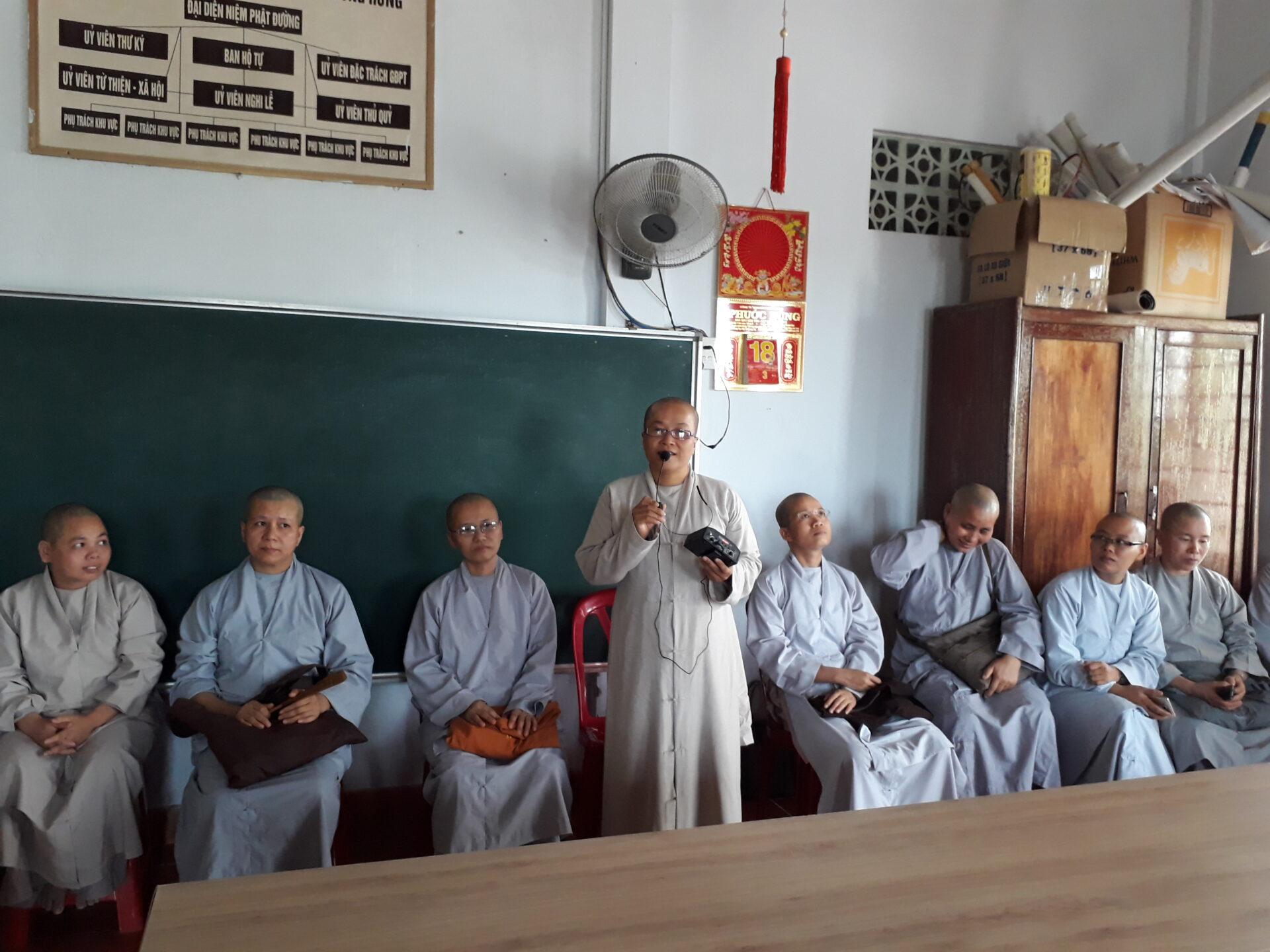 SC.TN. Tuệ Định giáo thọ môn Hán văn