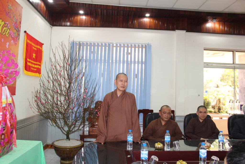 BTS Phật giáo huyện Hải Lăng chúc Tết chính quyền